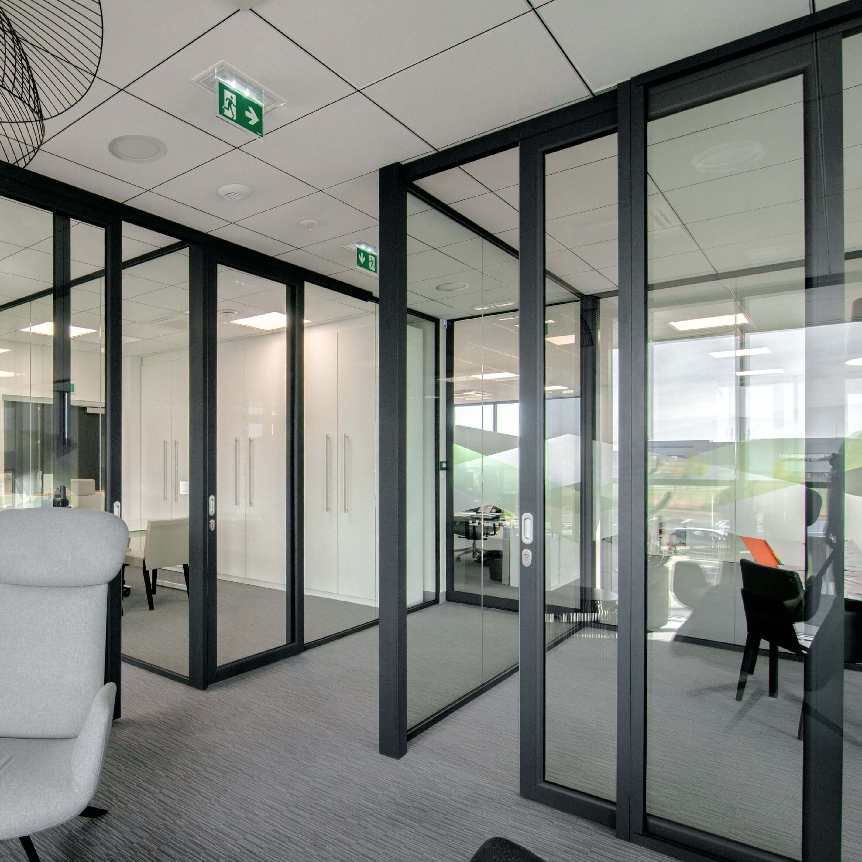 Système Integral pour un ensemble de bureaux élégants et chics